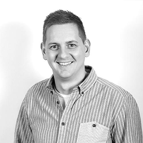 Danny Murphy - JEGO HISTORIA: Pastor młodzieżowy i jeden z liderów Duszpasterstwa Młodzieży w Anglii, a następnie w Szkocji. Obecnie - Pastor Pomocniczy w szkockim AOG Central. Dumny mąż, ojciec i kibic Manchester United.
